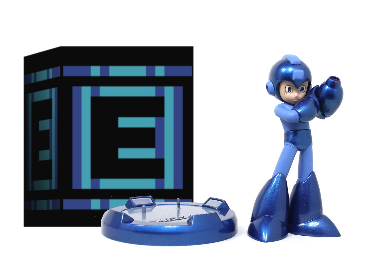 25th anniversary Mega Man statue 10-04-13 005