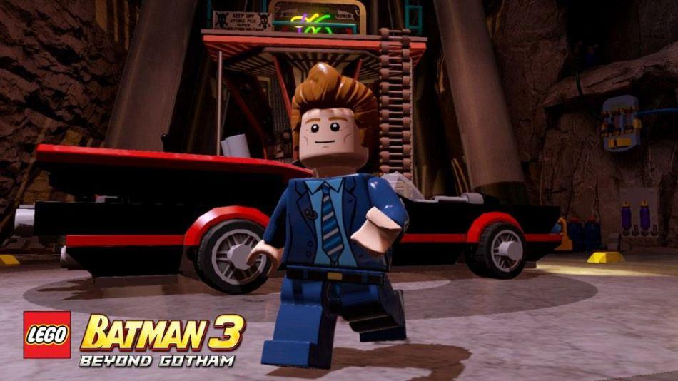 LEGO Batman BEyond Gotham 11-10-14 001